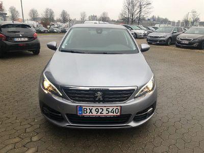 gebraucht Peugeot 308 1,6 BlueHDi Allure 120HK 5d