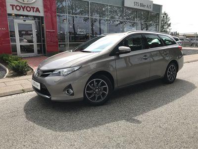 brugt Toyota Auris 1,6 Valvematic T2 Premium 132HK Stc 6g