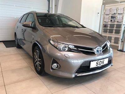 usata Toyota Auris Hybrid 1,8 VVT-I Premium E-CVT 136HK Stc Aut.