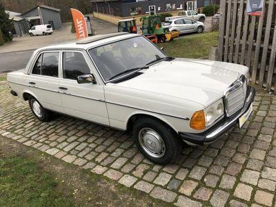 brugt Mercedes 200 200-300 (W123)