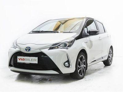 brugt Toyota Yaris 1,5 B/EL Flavour HVID E-CVT 100HK 5d Trinl. Gear