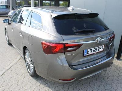 brugt Toyota Avensis Touring Sports 2,0 D-4D T2 Premium 143HK Stc 6g