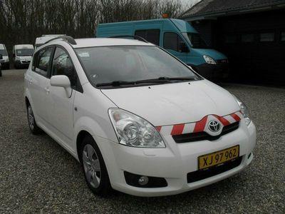 gebraucht Toyota Sportsvan 2,2 D-4D 136 Sol