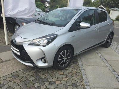 brugt Toyota Yaris 1,5 B/EL H3 E-CVT 100HK 5d Trinl. Gear