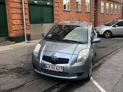 brugt Toyota Yaris 1,3 AUT. 3 DØRS