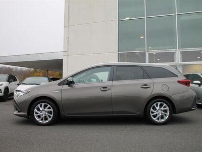 brugt Toyota Auris Hybrid 1,8 B/EL Comfort Touring Sports m/Safety Sense 136HK Stc A++