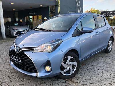 brugt Toyota Yaris Hybrid 1,5 Hybrid Premium E-CVT 100HK 5d