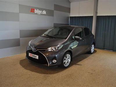 brugt Toyota Yaris Hybrid 1,5 B/EL Premium Luksus Glastag E-CVT 100HK 5d