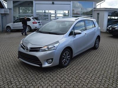 gebraucht Toyota Verso 7 pers. 1,6 D-4D T1 112HK 6g - Personbil - Sølvm