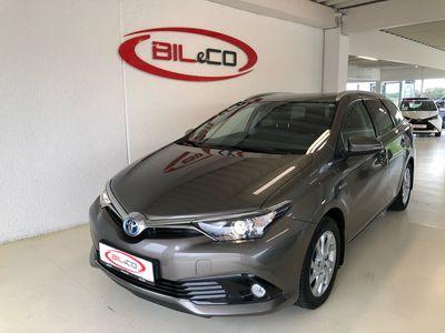 brugt Toyota Auris Touring Sports 1,8 B/EL H2 Safety Sense 136HK Stc Aut.