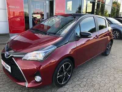 brugt Toyota Yaris 1,5 B/EL Spirit E-CVT 100HK 5d Trinl. Gear A++