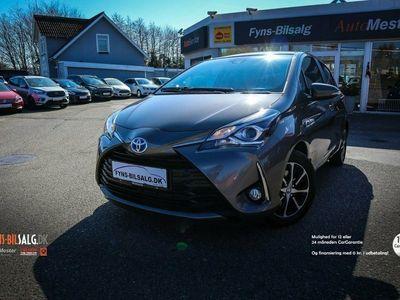 käytetty Toyota Yaris Hybrid 1,5 Hybrid Premium e-CVT
