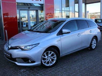 brugt Toyota Auris Touring Sports 1,8 Hybrid H2 Comfort Safety Sense 136HK Stc