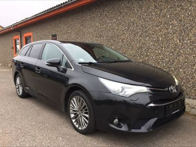 brugt Toyota Avensis Touring Sports 2,0 D-4D T2 Skyview 143HK Stc 6g