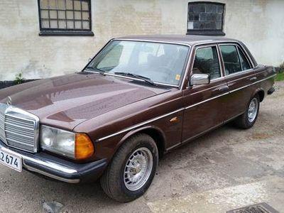 brugt Mercedes 250 2,5 W123