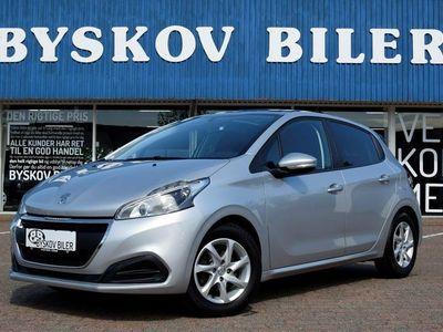 gebraucht Peugeot 208 1,6 BlueHDi 100 Envy Sky