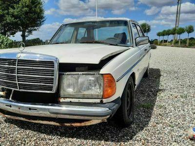 brugt Mercedes E300 d w123
