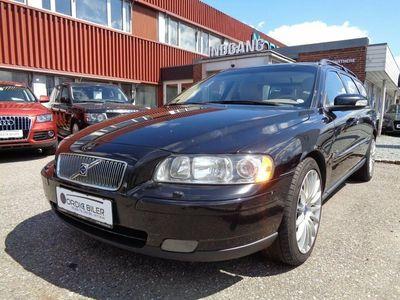 brugt Volvo V70 2,4 140 Momentum aut.