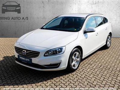 używany Volvo V60 2,0 D3 Eco Momentum 150HK Stc 6g - Personbil - hvid