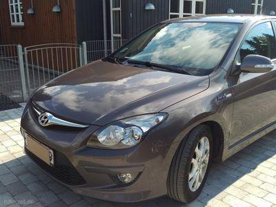 usata Hyundai i30 1,6 CRDi Classic Sense Plus 90HK 5d 6g