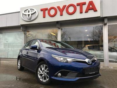 käytetty Toyota Auris Hybrid 1,8 B/EL Comfort 136HK 5d Aut.