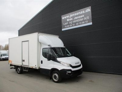 brugt Iveco Daily 35S16 2,3 D Alu.kasse m./lift AUTOMATGEAR 156HK Ladv./Chas. 2018