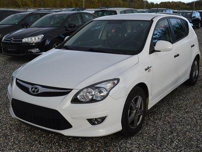 brugt Hyundai i30 1,4 Classic 109HK 5d - Personbil - Hvid