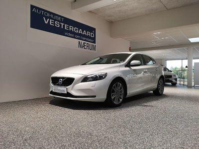 brugt Volvo V40 2,0 T2 Momentum 122HK Stc 6g