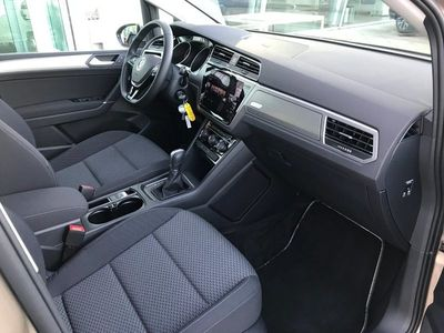käytetty VW Touran 1,6 TDi 115 Comfortl. Connect DSG