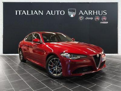 gebraucht Alfa Romeo Giulia 2,0 Turbo Super 200HK 8g Aut.