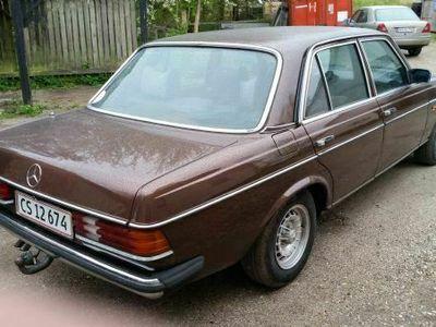 brugt Mercedes 250 W1236 cyl.