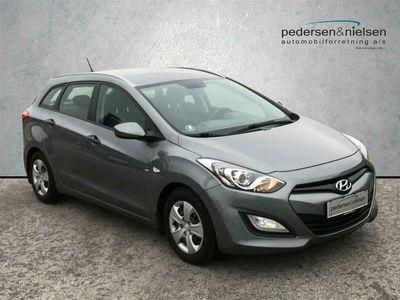 brugt Hyundai i30 Cw 1,6 CRDi Style ISG 110HK Stc 6g