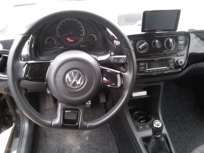 second-hand VW up! 1,0 MPI BMT High 75HK 3d