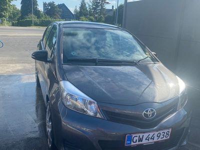 brugt Toyota Yaris 5-DØRS 1,3 MAN.6. 5D.