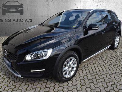 brugt Volvo V60 CC 2,0 D3 Kinetic 150HK Stc 8g Aut. - Personbil - sortmetal