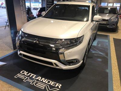 käytetty Mitsubishi Outlander 2,4 PHEV Instyle 4WD 224HK 5d 6g Trinl. Gear