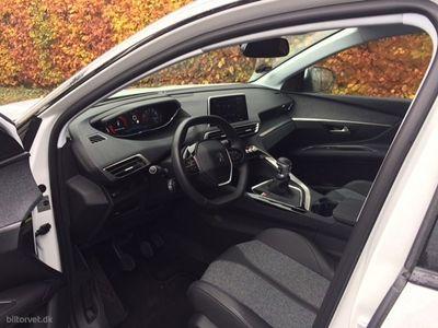 second-hand Peugeot 3008 1,2 PureTech Allure 130HK 6g