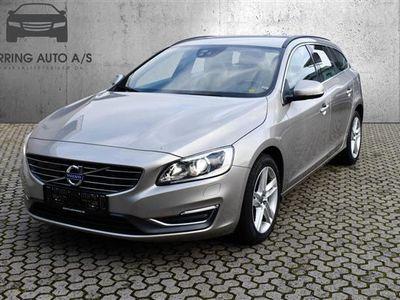 brugt Volvo V60 2,4 D5 Momentum 215HK Stc 6g - Personbil - grå