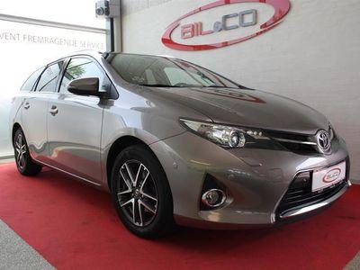 usata Toyota Auris 1,6 Valvematic T2 Premium 132HK Stc 6g