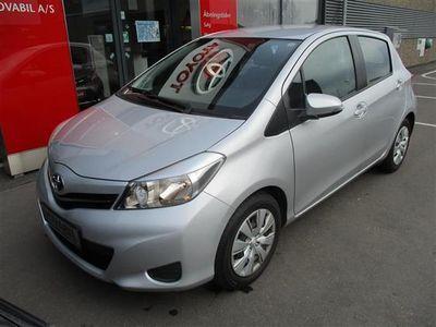 gebraucht Toyota Yaris 1,0 VVT-I T2 Comfort 69HK 5d