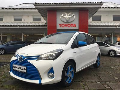 käytetty Toyota Yaris Hybrid 1,5 B/EL Limited E-CVT 100HK 5d Trinl. Gear