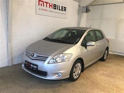 begagnad Toyota Auris 1,3 VVT-I T2 99HK 5d