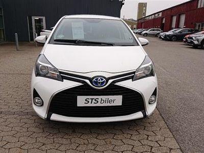used Toyota Yaris Hybrid 1,5 VVT-I E-CVT 100HK 5d Aut.
