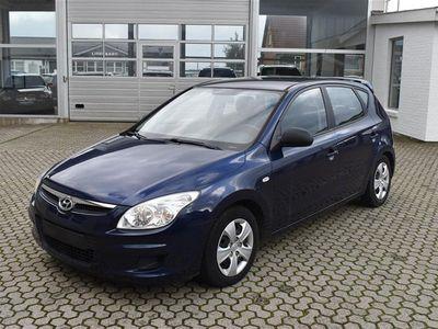 brugt Hyundai i30 1,6 CRDi Classic 90HK 5d - Personbil - blåmetal