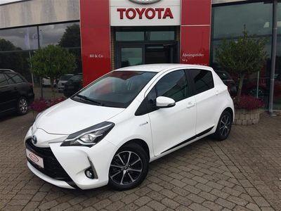 brugt Toyota Yaris Hybrid 1,5 B/EL Premium Smart E-CVT 100HK 5d Trinl. Gear