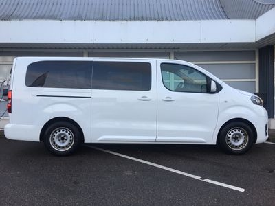 brugt Toyota Verso ProaceLong 2,0 D Family m/bagklap 180HK 6g Aut.