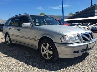 käytetty Mercedes C250 2,5 TD Elegance stc. aut.