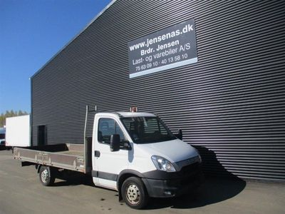 brugt Iveco Daily 2,3 D Ladbil 35S13, 6-g 126HK Ladv./Chas. 2013