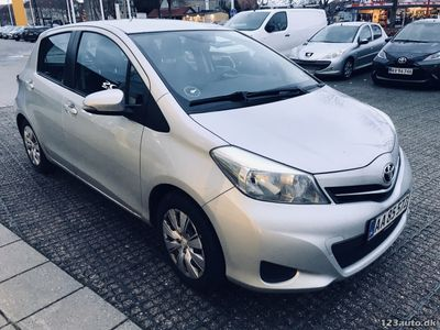 brugt Toyota Yaris 1,3 VVT-i T2 Touch 5d
