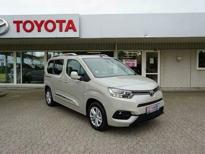 brugt Toyota Verso Proace CityMedium 1,2 Family 110HK 6g A+